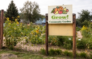Grow sign at Trinity Lutheren Church garden 4658DA